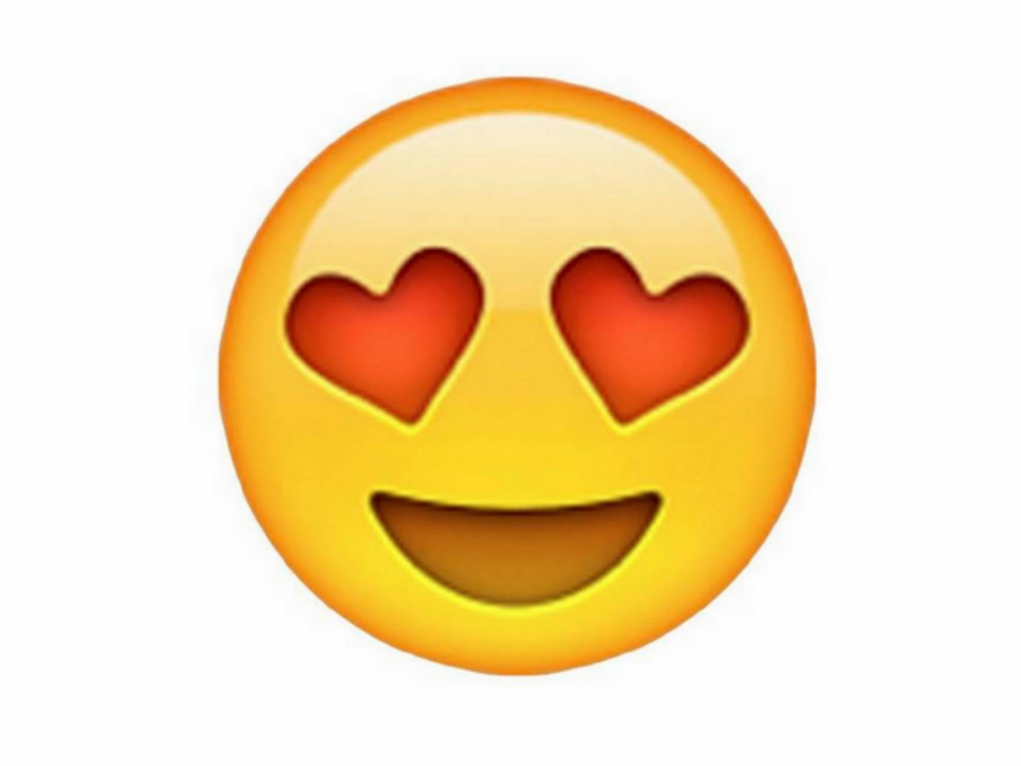 Mes 2 copines super excitees gouinent et baisent 5